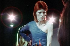 David-Bowie-Ziggy-Stardust-1973-billboard-1548-650_thumb.jpg
