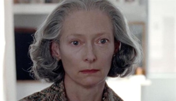 The-Souvenir-Tilda-Swinton-close.jpg