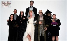 addams-family-values_thumb.jpg