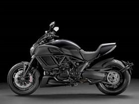 2016-ducati-diavel-motorcycle-buyers-guide-4_thumb.jpg