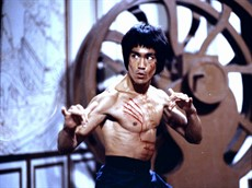 Bruce_Lee_in_enter_the_dragon_thumb.jpg
