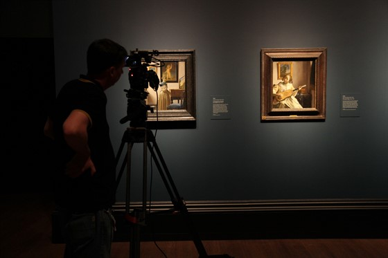 EOS Vermeer_Filming Vermeer at the National Gallery - 22 June © EXHIBITION ON SCREEN.jpg