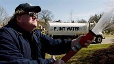 Fahrenheit-11-9-Michael-Moore_thumb.jpg