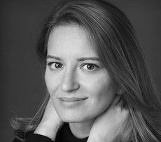 Katy Tur author photo Credit Elena Seibert (002CROP)_thumb.jpg