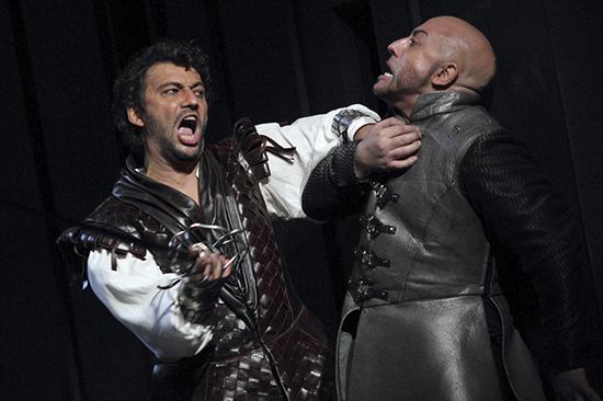 Otello_Jonas_Kaufmann_as_Otello_and_Marco_Vratogna_as_Iago_in_Otello_The_Royal_Opera__2017_.jpg