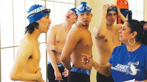 Swimteam11web.jpg