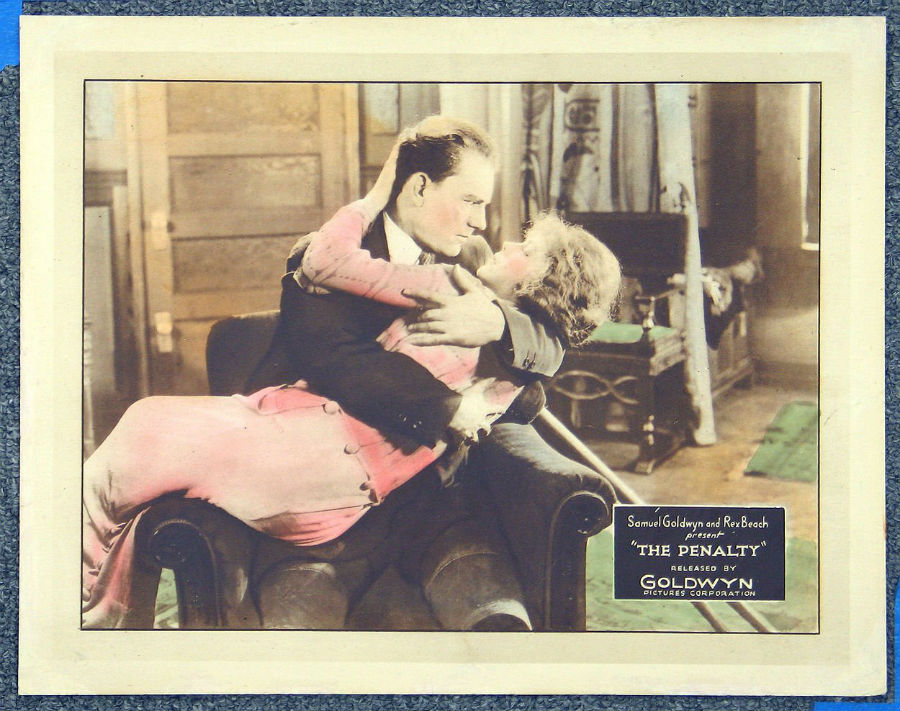 THE PENALTYWEB900jY@.jpg