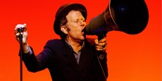 TomWaits88426610_thumb.jpg