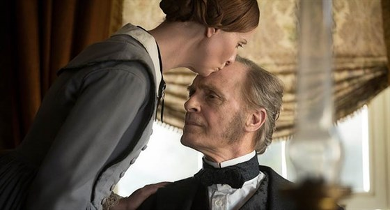 a-quiet-passion-movie.jpg
