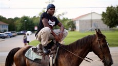 hc_still03_horse_copyright_idiom_film_courtesy_ramell_ross_thumb.jpg