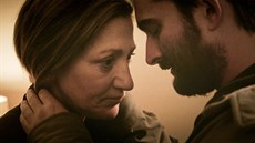 oi_still_01_edie_falco_jay_duplass_photo_cred_nathan_m_miller_-_h_2017_thumb.jpg