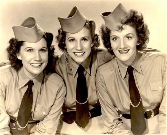 the-andrew-sisters-05.jpg