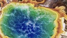 Photo-4-Yellowstone_Grand_Prismiatic_Spring__Vision_Hawk_for_KINGDOMS_thumb.jpg
