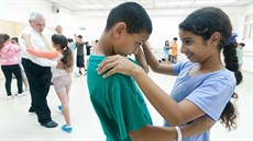 dancinginjaffa1_thumb.jpg