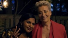 latenight-mindykaling-emmathompson-backyard-700x307_thumb.jpg