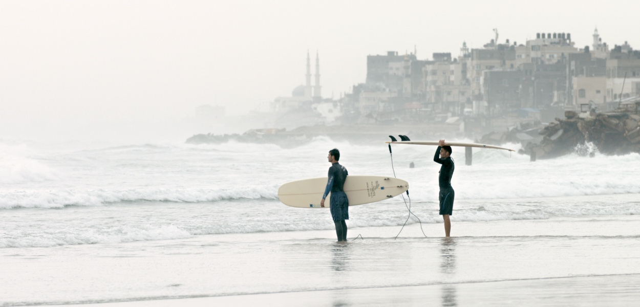 mspfilm-gaza-surf-club-still-1.jpg