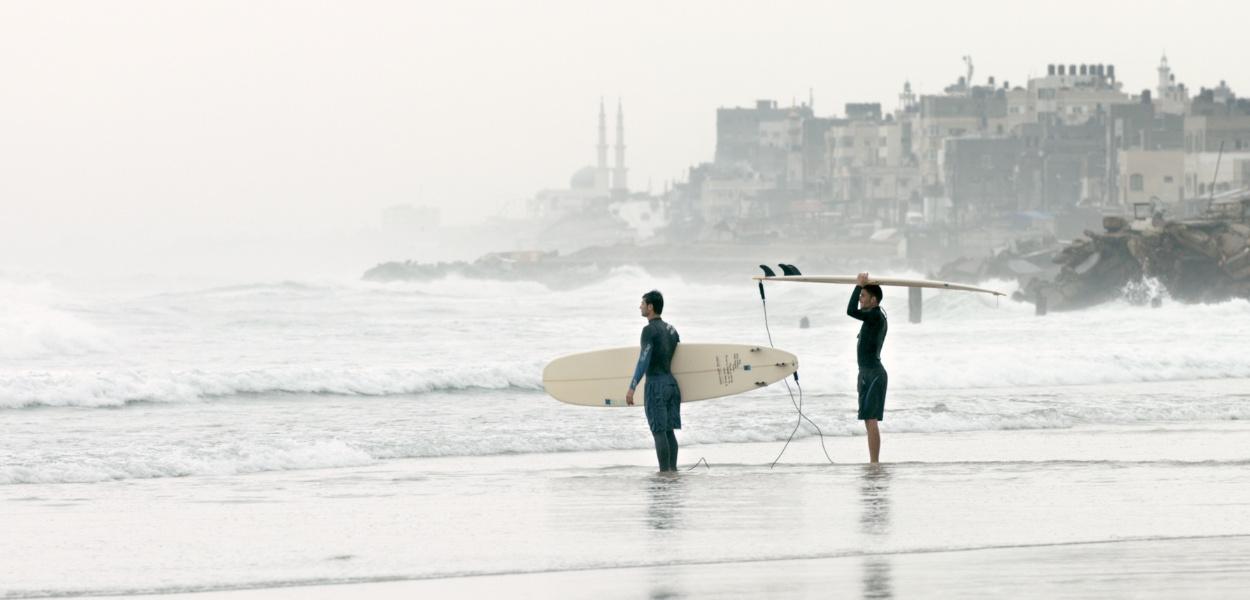 mspfilm-gaza-surf-club-still-1.jpg