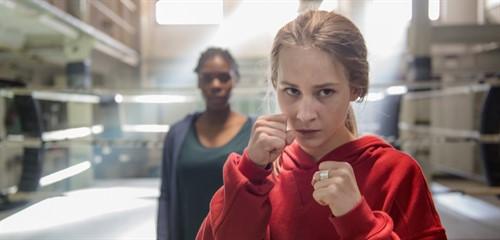 mspiff38-fight-girl-still-1_thumb.jpg