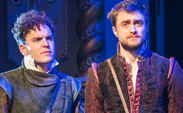 Rosencrantz-And-Guildenstern-Are-Dead-Old-Vic-424-700x400.jpg